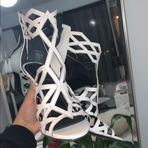 Kendal n Kylie heels!!